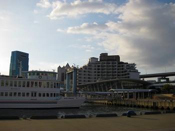 ラ・スイート神戸 主人が撮ったホテルと周辺_a0055835_18162100.jpg