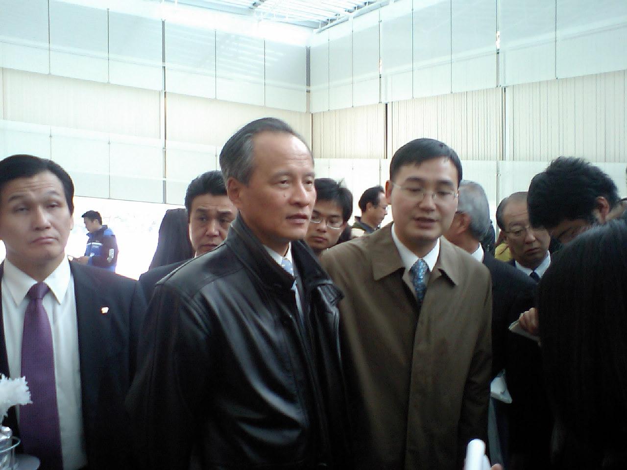 崔大使も出席し、在日中国人と春節を過ごし、マスコミ関係者に感想を述べる_d0027795_1402533.jpg