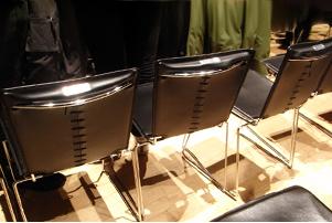 椅子を見てふと思ったこと_b0007805_1437277.jpg