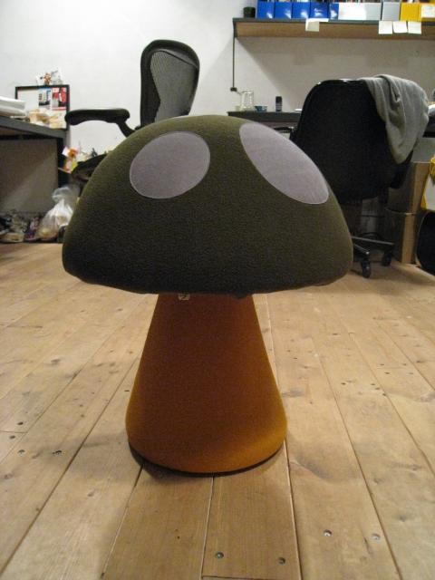 KiNoKo Chair_e0162155_16315628.jpg