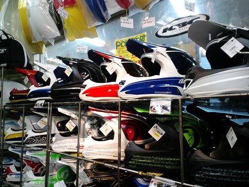 いっぱいヘルメットがきた(THOR)_f0062361_17385727.jpg