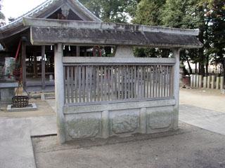 江南市小杁魚入神社の蕃塀_e0113570_2242227.jpg