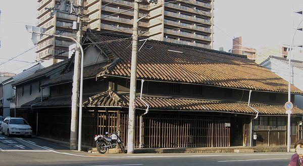 上本町の民家_f0139570_4504120.jpg