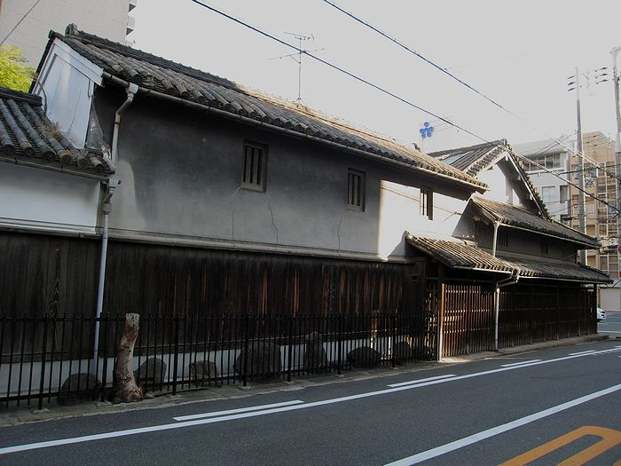上本町の民家_f0139570_4511019.jpg