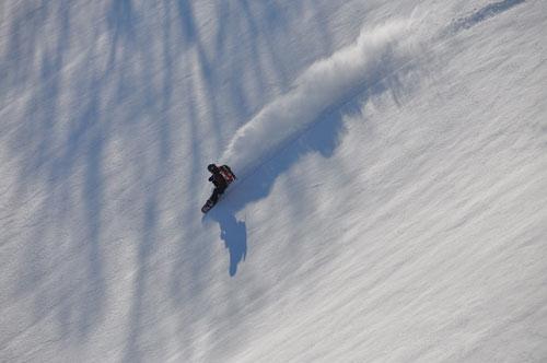「裏のお山で雪とたわむる」のsakusaku_fukafuka(Fukazu)さん登場!_c0039735_1283573.jpg