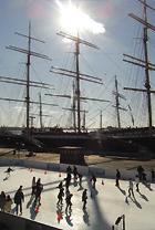 サウス・ストリート・シーポートにスケートリンク登場 Seaport Ice_b0007805_9592967.jpg