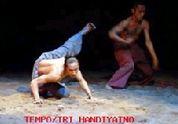 """インドネシアの舞踊家・ダナン・パムンカスの \""""Song of Body \""""_a0054926_20323392.jpg"""