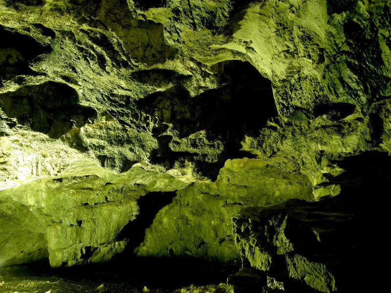 洞窟_f0075075_2115672.jpg