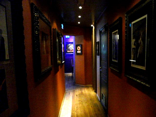 ノルウェー (44) ハードロック・カフェ Aerosmithを聴きながら・・・_c0011649_4555021.jpg