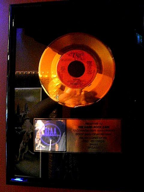 ノルウェー (44) ハードロック・カフェ Aerosmithを聴きながら・・・_c0011649_4583849.jpg