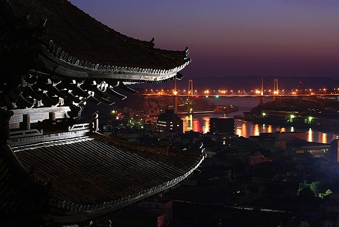 天寧寺塔婆の夜明け_c0152379_914663.jpg