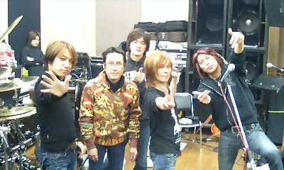 で、いよいよ今日2/8は大阪でワンマンライブです。_e0146185_212514.jpg