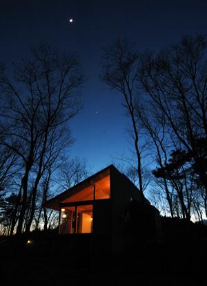 里の家と月と金星_b0038919_20334545.jpg