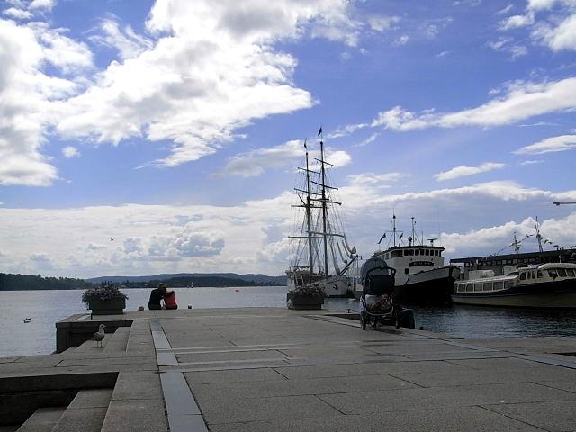 ノルウェー (45)     オスロ港・散策 その1_c0011649_59238.jpg