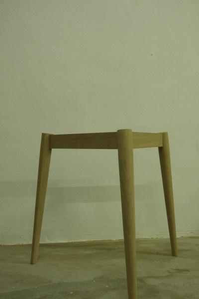 家具製作日誌02       丸テーブル編 (天板に 脚がつく)_e0155066_1443389.jpg