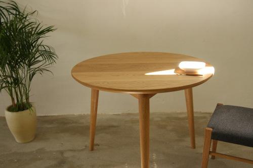 家具製作日誌02       丸テーブル編 (天板に 脚がつく)_e0155066_152873.jpg