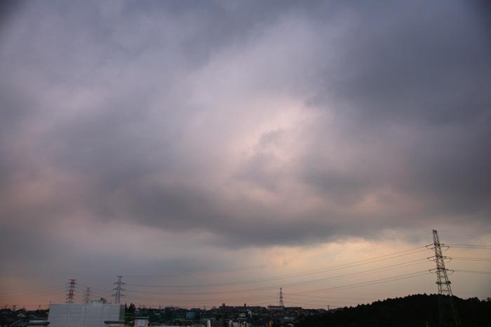 雲濃く夕_e0077521_22301383.jpg