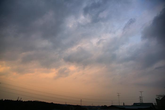 雲濃く夕_e0077521_22311919.jpg