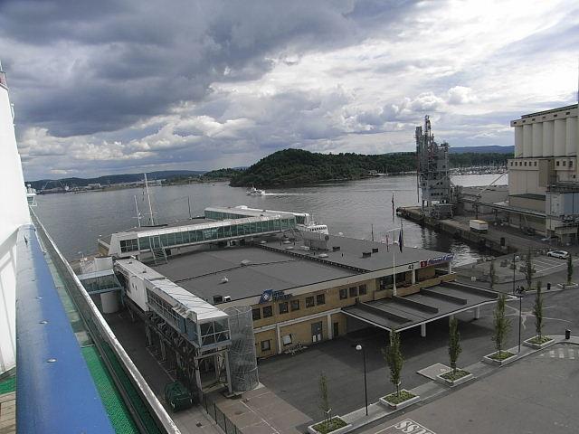 ノルウェー (47)     オスロ港・出港・・・・さらばノルウェー_c0011649_23442276.jpg