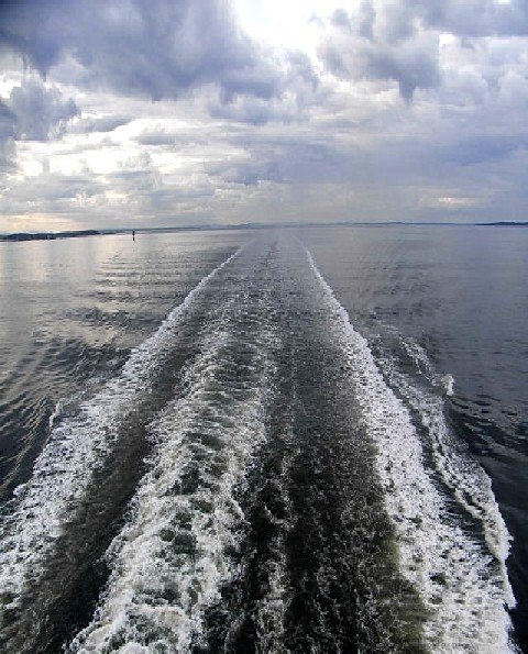 ノルウェー (47)     オスロ港・出港・・・・さらばノルウェー_c0011649_044476.jpg