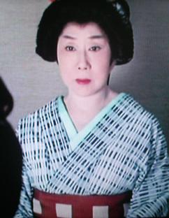 時代劇のきもの(4)『必殺仕事人Ⅳ』おりく(山田五十鈴)_f0134963_18291629.jpg