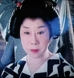 時代劇のきもの(4)『必殺仕事人Ⅳ』おりく(山田五十鈴)_f0134963_18322583.jpg