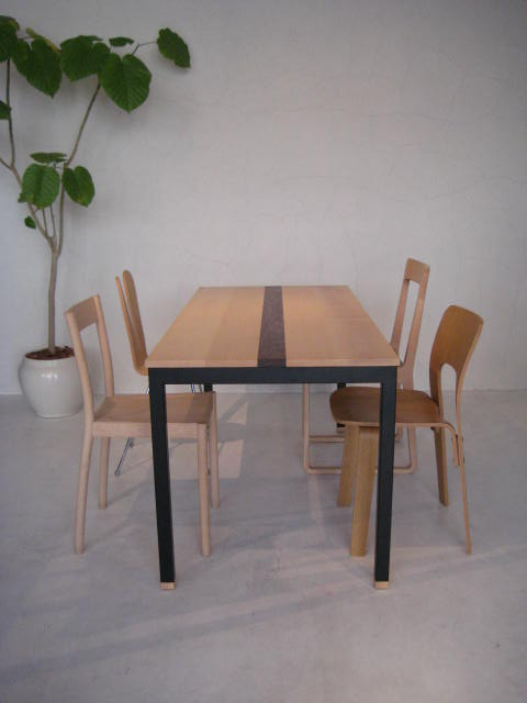 DINING TABLE & COFFEE TABLE_c0146581_11331092.jpg