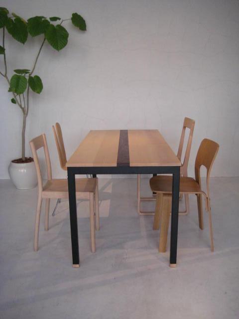 DINING TABLE & COFFEE TABLE_c0146581_11331092.jpg