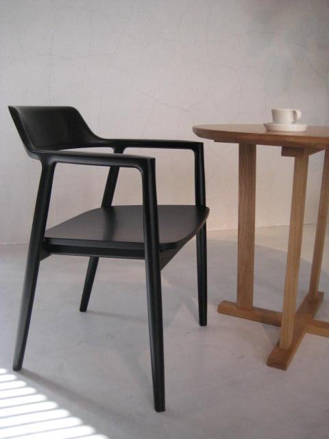 DINING TABLE & COFFEE TABLE_c0146581_17533718.jpg
