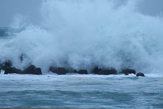 波浪警報の日 : 但馬・写真日和