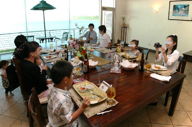2009年1月グアム旅行記~個室レストランでパーティー編~_f0011498_15103782.jpg