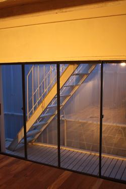 ベランダ、階段、、、その上は_f0192906_0573489.jpg