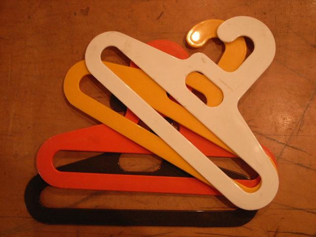 "\""Coat Hanger Plastic\""ってこんなこと。_c0140560_1352533.jpg"