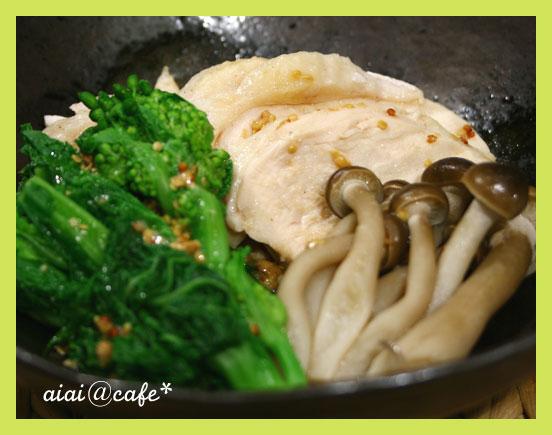 蒸し鶏と菜の花のマスタードソース_a0056451_13343064.jpg