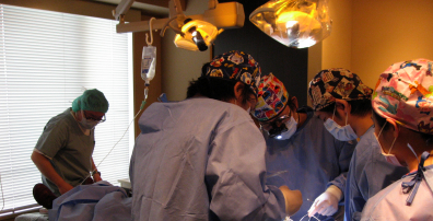 すべてのスタッフは一人の患者さんの為に集中するのである サイナスリフトα-TCP 東京職人歯医者_e0004468_170013.jpg