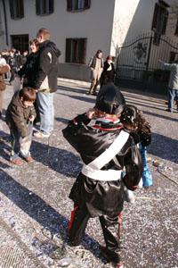 小さな村にて~子供達のカーニバル_f0106597_1865444.jpg
