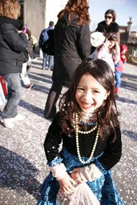 小さな村にて~子供達のカーニバル_f0106597_1882540.jpg