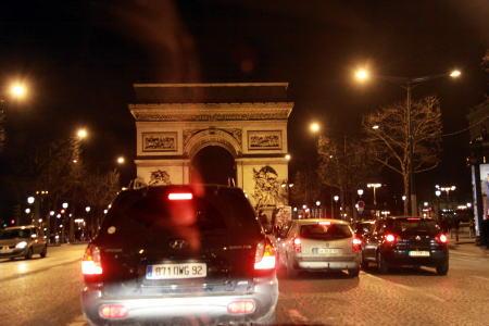 シャンパパドライバーの「パリ・ナイトツアー」♪_c0090198_422091.jpg