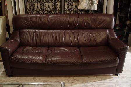 こげ茶色本革シートの3Pソファー入荷しました!!_a0096367_21553918.jpg