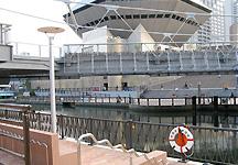 大阪「みなみ-道頓堀川」の水辺整備_c0167961_1541615.jpg