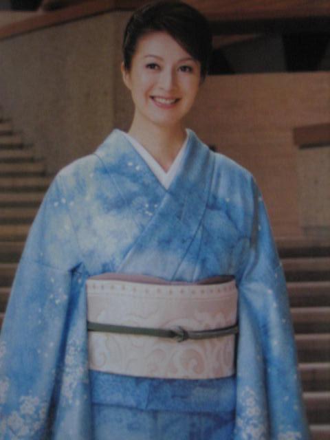 美しいキモノ・今夜の日本アカデミー賞の帯。_f0181251_16551645.jpg