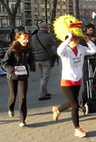 動物コスチュームを着て走るマラソン Club Animals Mini-Marathon_b0007805_1441850.jpg