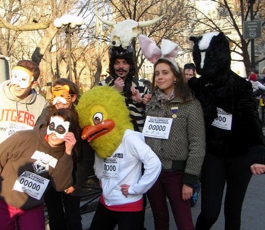 動物コスチュームを着て走るマラソン Club Animals Mini-Marathon_b0007805_1463972.jpg