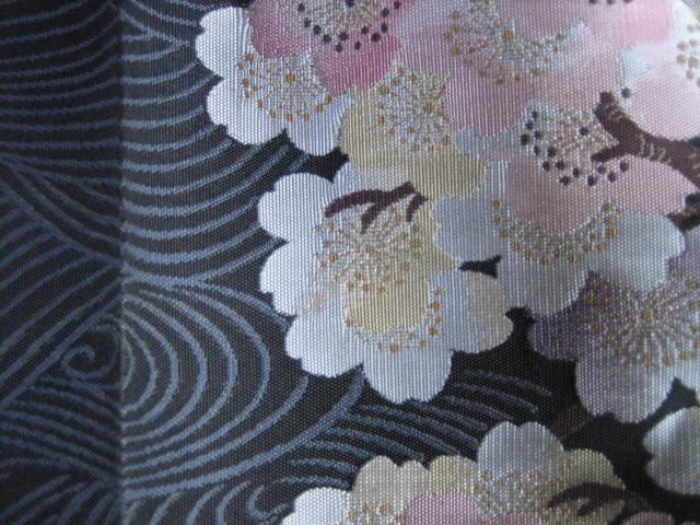 きものサロン掲載・織りにこだわった桜の帯。_f0181251_174543.jpg