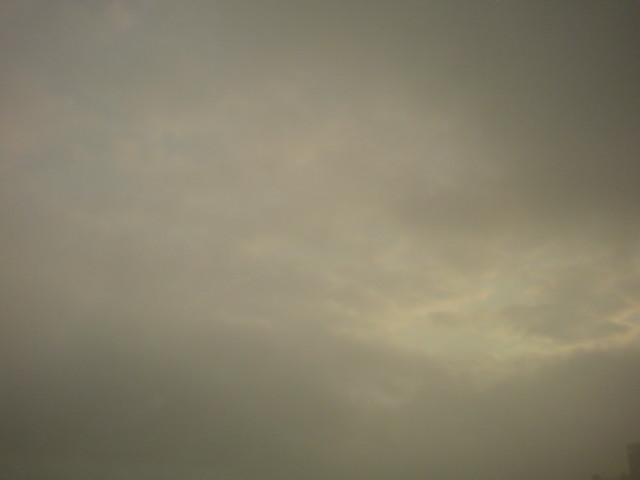 「東京は雨?!こちらは青空が見えています。」_e0051174_8325111.jpg