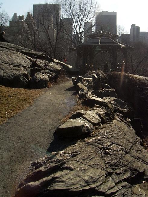 岩山から眺める早春のセントラルパーク_b0007805_1193916.jpg