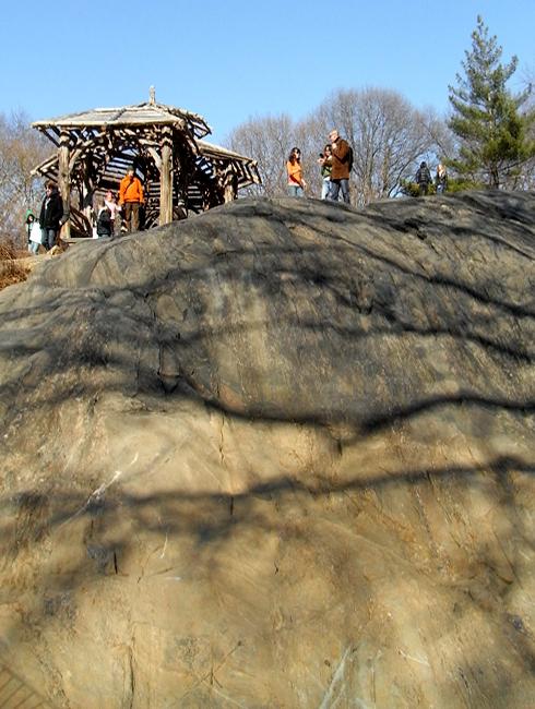 岩山から眺める早春のセントラルパーク_b0007805_1272750.jpg
