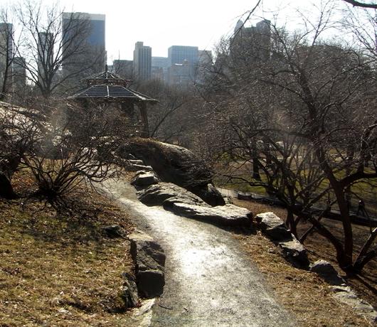 岩山から眺める早春のセントラルパーク_b0007805_1284079.jpg