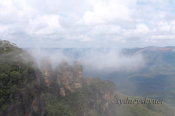 霧の中の世界遺産_f0084337_21374991.jpg