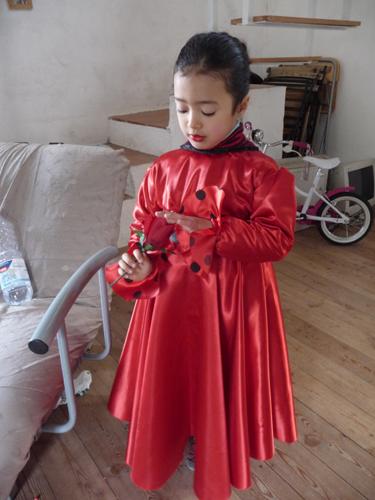 カーニバルの衣装は情熱の赤!_f0106597_18242164.jpg